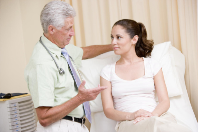Preparing Your Daughter for Her First Gynecology Visit