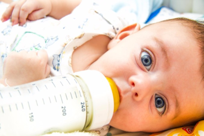 How Long Does Breast Milk Last? Storage Guidelines & Recommendations for Breastfeeding Mothers